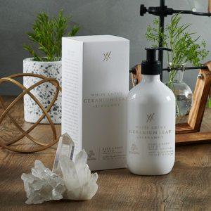 Urban-Rituelle-White-Lotus-Geranium-Leaf-Bergamot-Hand-Wash