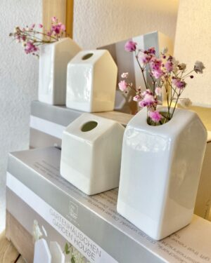 rader-garden-house-vases